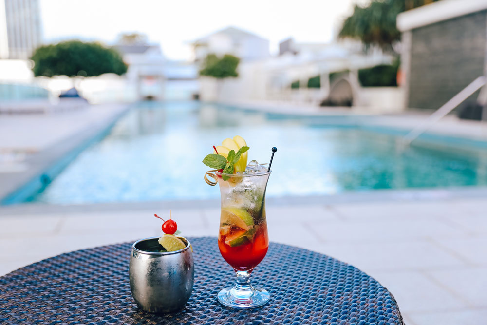 The-Deck-Bar-cocktails