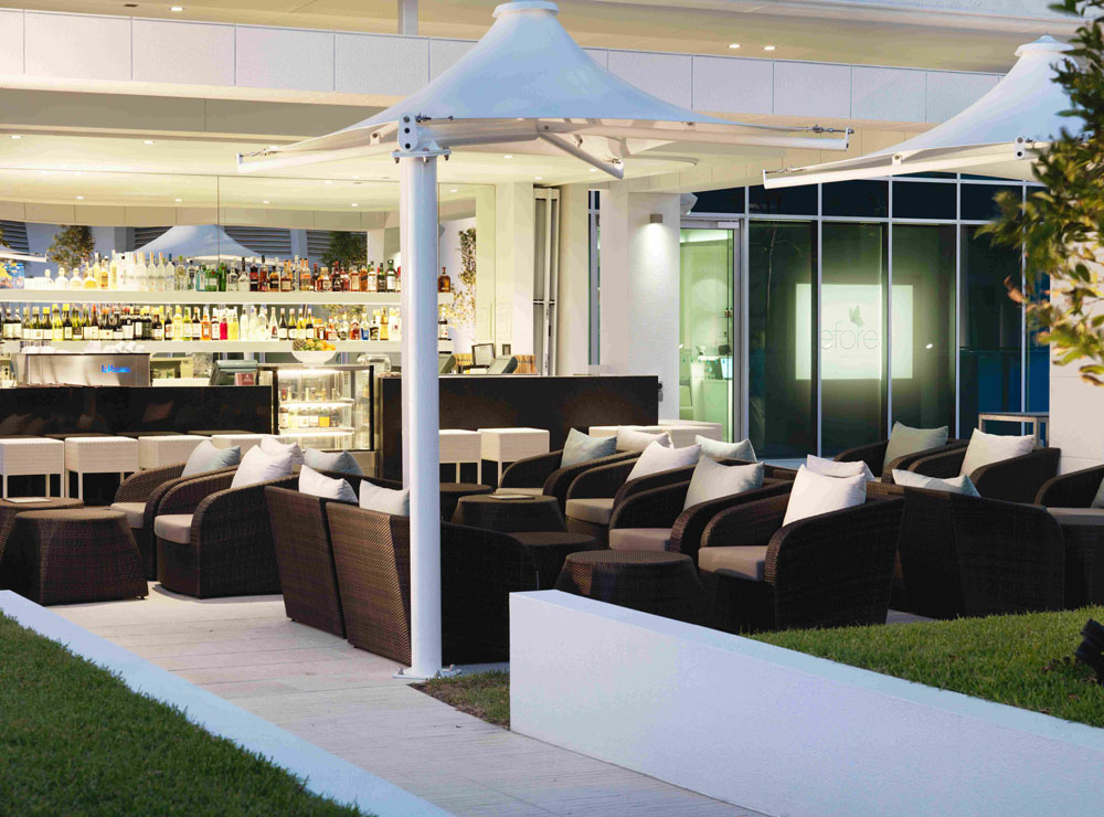 The Deck Cocktail Bar
