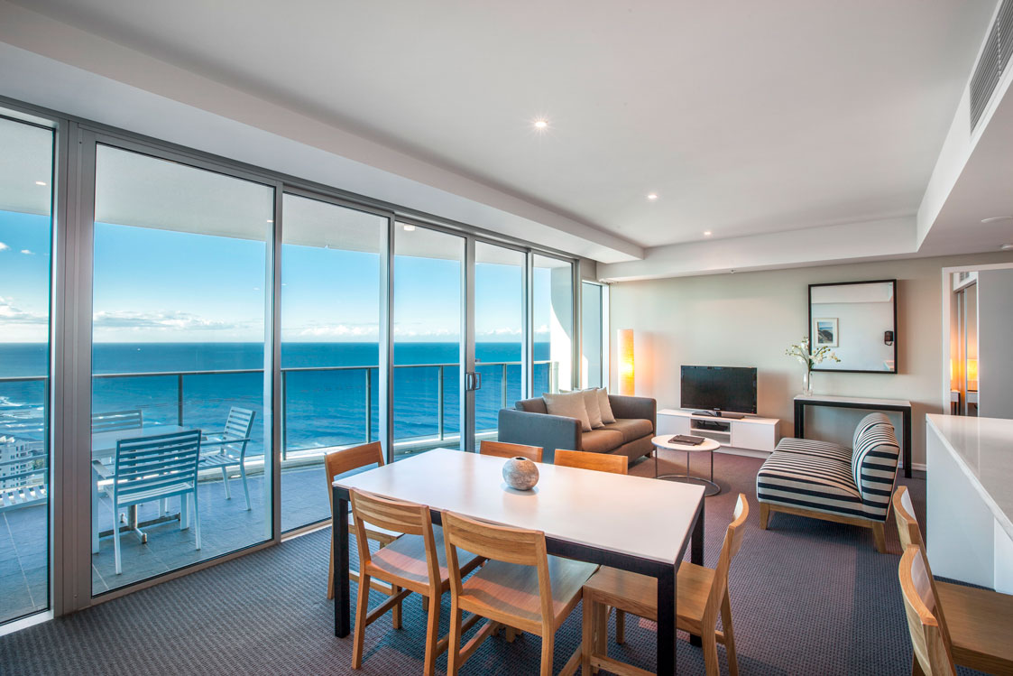 2 bedroom ocean view sky high apartment for holiday rental
