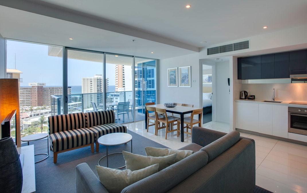 2 bedroom Hilton apartment city view Holliday rental Surfers Paradise