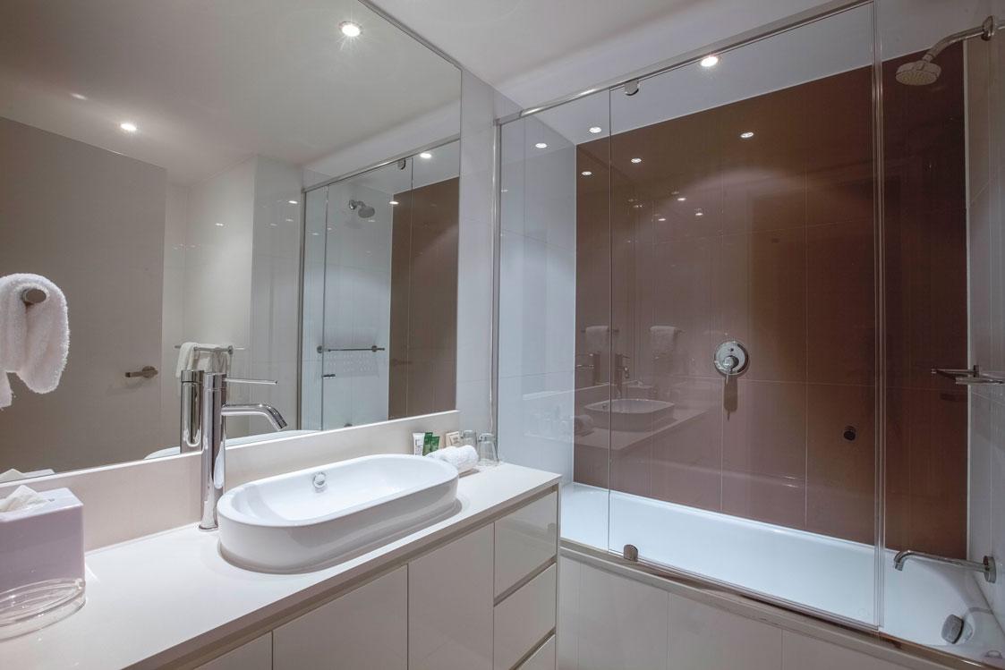 2 bathrooms holiday rental Gold Coast
