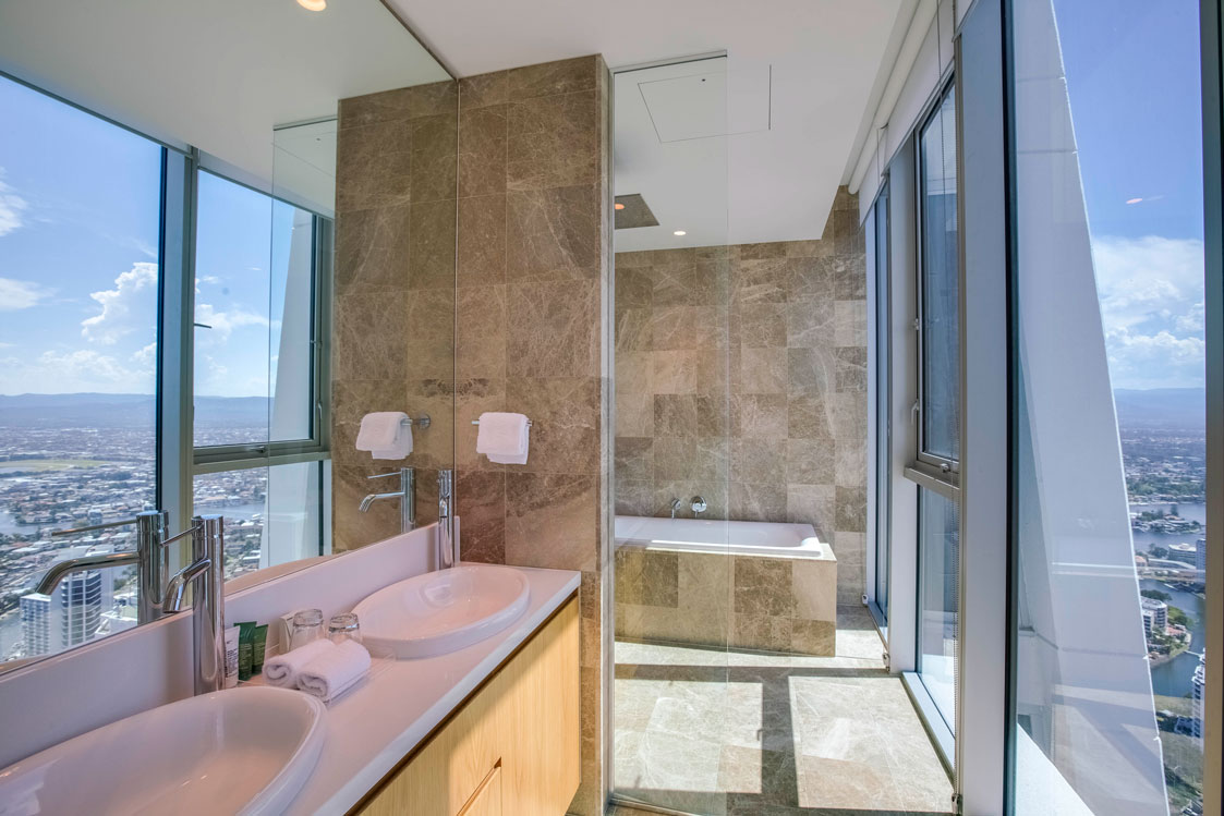 Sub Penthouse Bathroom with Pacific Ocean views